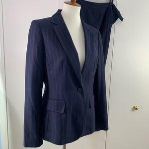 Anne Klein suits 10 navy pinstriped blazer pants